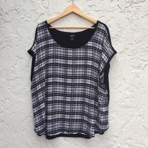 TORRID Size 3 Black and White Polyester Top